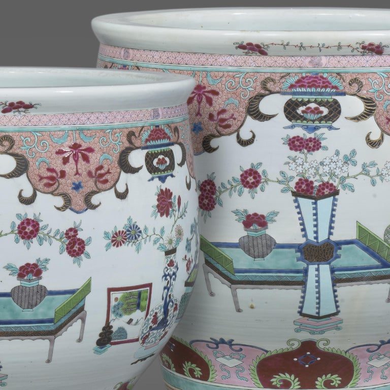 Pair of Chinese-Style Fish Bowls Attributed to Samson & Cie., circa 1890 In Good Condition For Sale In London, GB