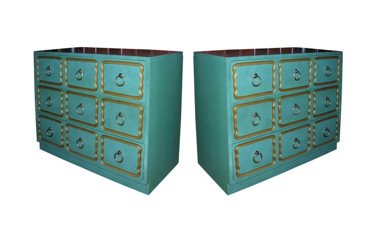 The most well-known, the España Bunching chest, was designed by Dorothy Draper in the 1950s at the request of the Spanish government who sought to raise the profile of Spanish design in the international market. Originally manufactured by Heritage
