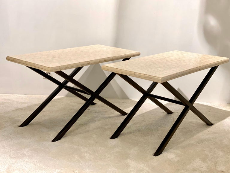 Sumptuous low coffee tables certainly designed by Belgium artist Fernand Dresse. These two pieces are made in resin and covered with a high quality of horn marquetry which gives an elegant creamy white color. The textured pattern of the tables