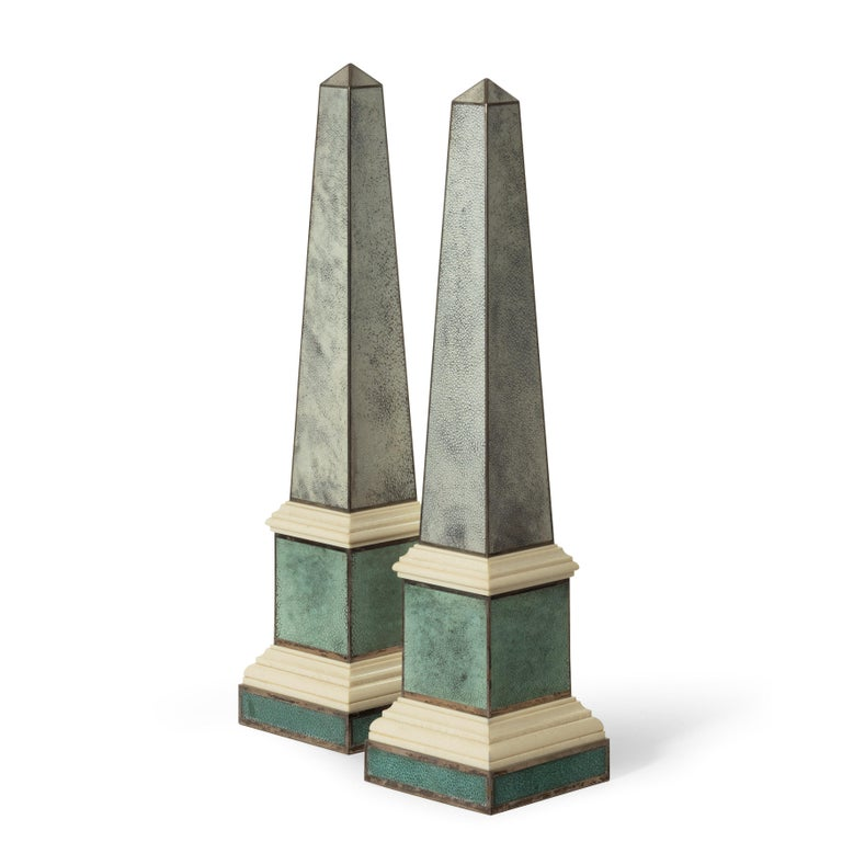 English Pair of Contemporary Grey and Aquamarine Shagreen and Obelisks For Sale