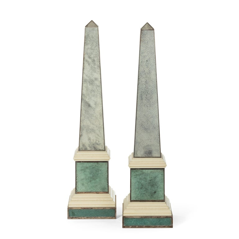 Pair of Contemporary Grey and Aquamarine Shagreen and Obelisks In Good Condition For Sale In Lymington, Hampshire