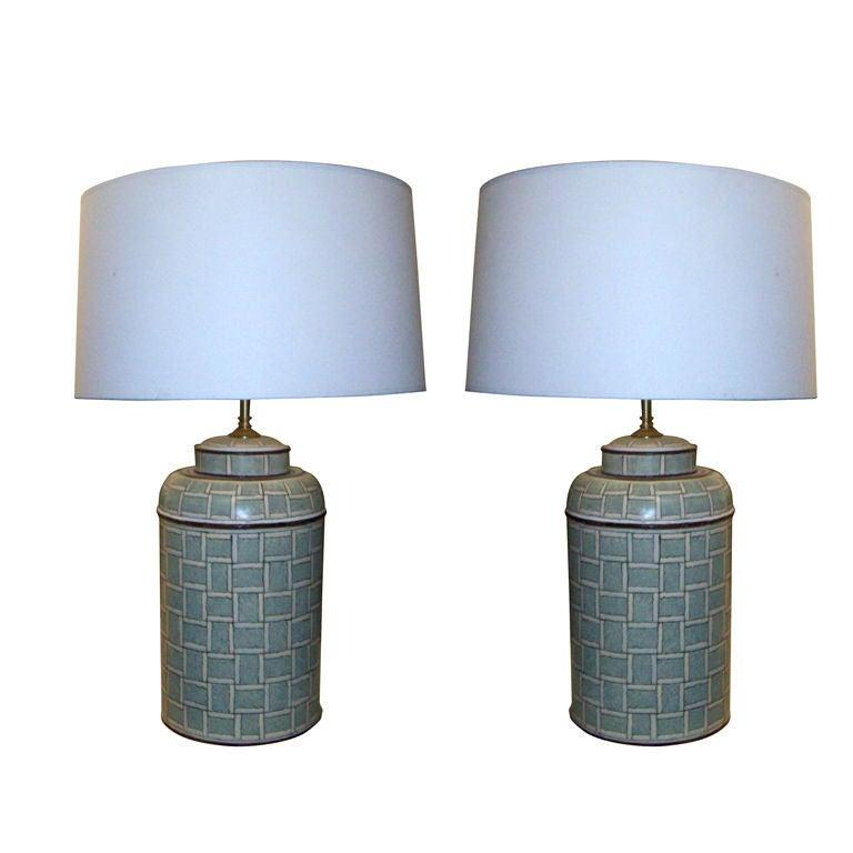 Pair of Hand Painted Tole Canister Table Lamps In Excellent Condition For Sale In New York, NY