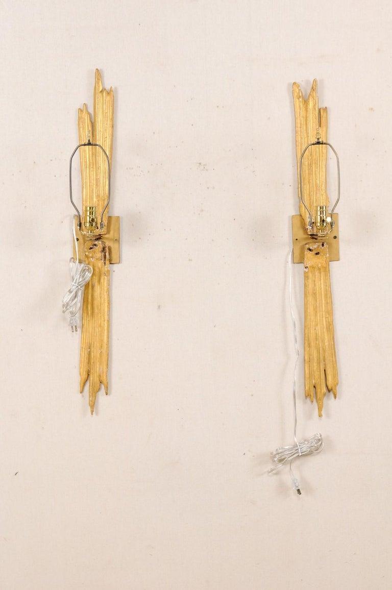 An Elegant Pair of Custom Italian Doubled Gilt Ray 18th Century Fragment Sconces For Sale 5