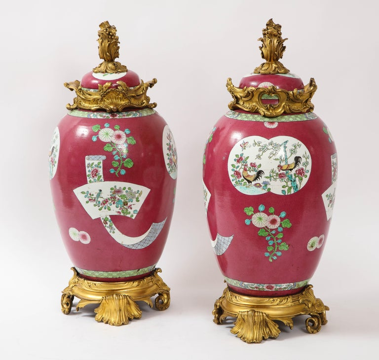 Louis XV Pair of Doré Bronze Mounted Chinese Porcelain Rooster Red Ground Covered Jars For Sale