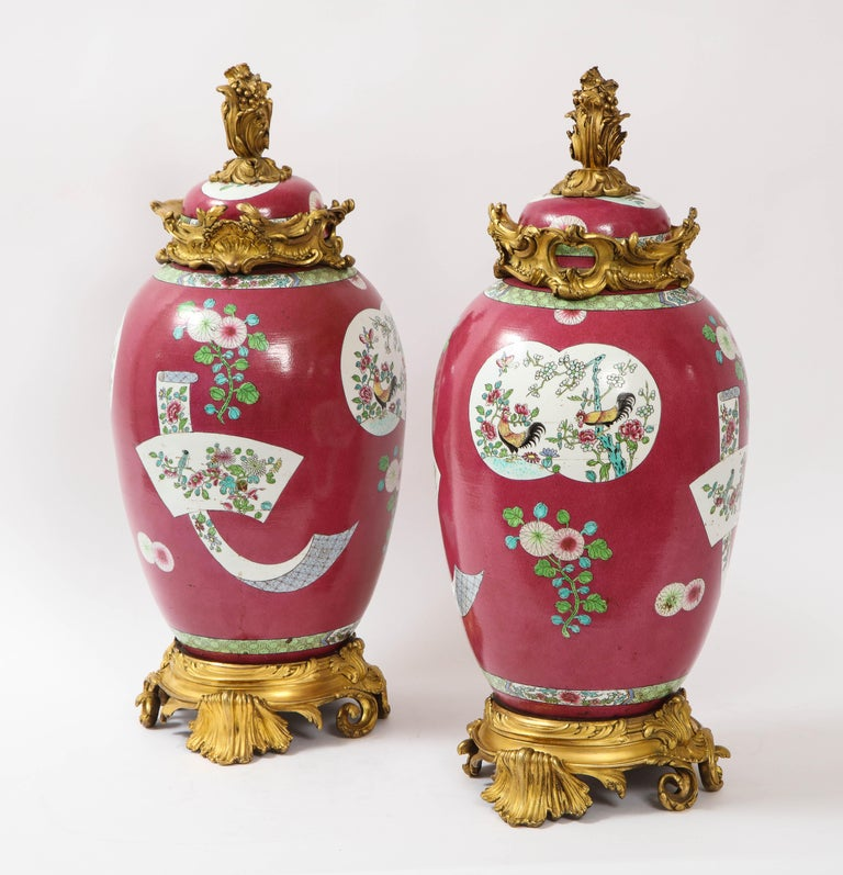 Mid-19th Century Pair of Doré Bronze Mounted Chinese Porcelain Rooster Red Ground Covered Jars For Sale
