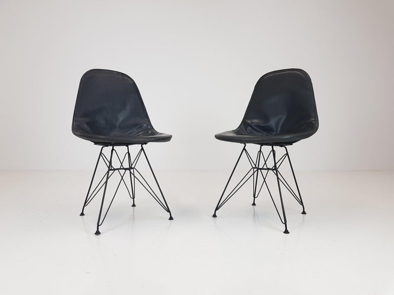 Mid-Century Modern Pair of Early Charles and Ray Eames DKR Chairs