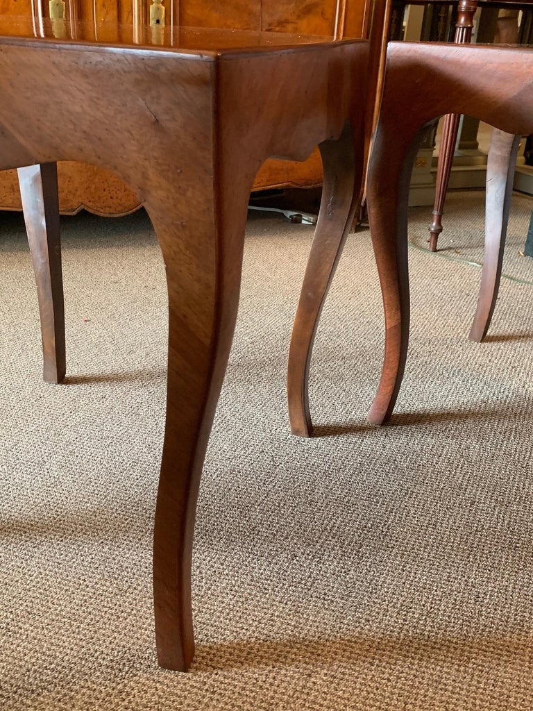 Modern Pair of Elegant Italian Tables with Cabriolet Legs For Sale