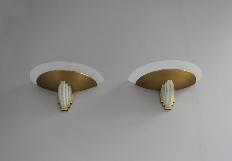 Pair of Fine French Art Deco Bronze Hand Cut Glass Sconces by Jean Perzel For Sale 3