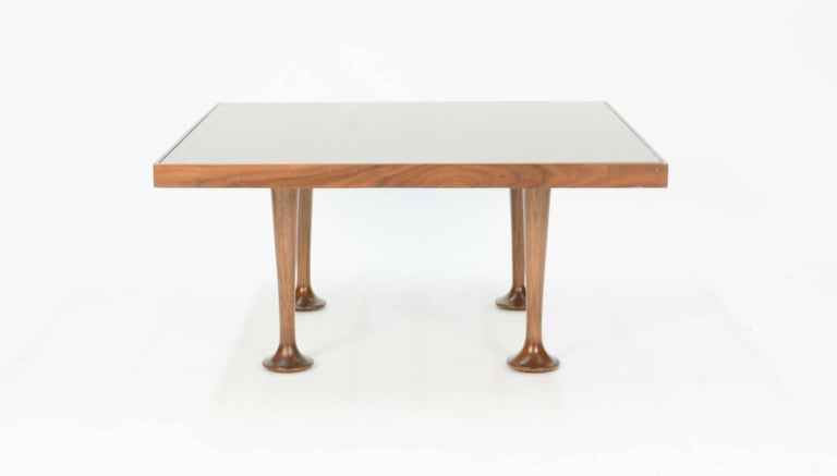 Mid-Century Modern Pair of Finely Detailed and Elegant Italian Monumental Side Tables For Sale