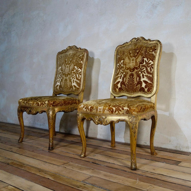 Pair of French 18th Century Louis XV Giltwood Side Chairs Upholstered In Good Condition For Sale In Basingstoke, Hampshire