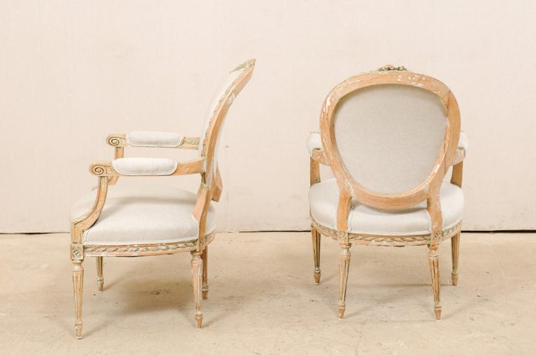 Pair of French Mid-20th Century Oval Back Armchairs with Nicely Carved Accents For Sale 5