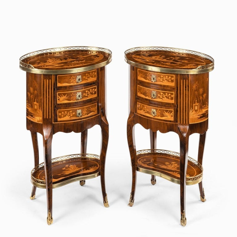 Pair of French Rosewood Occasional Tables In Good Condition For Sale In Lymington, Hampshire