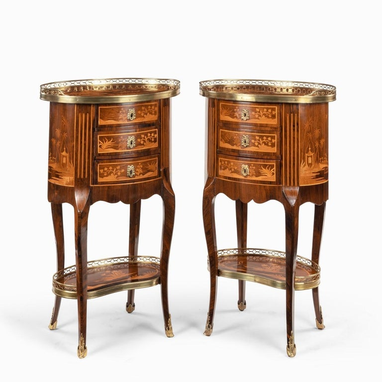 Early 20th Century Pair of French Rosewood Occasional Tables For Sale