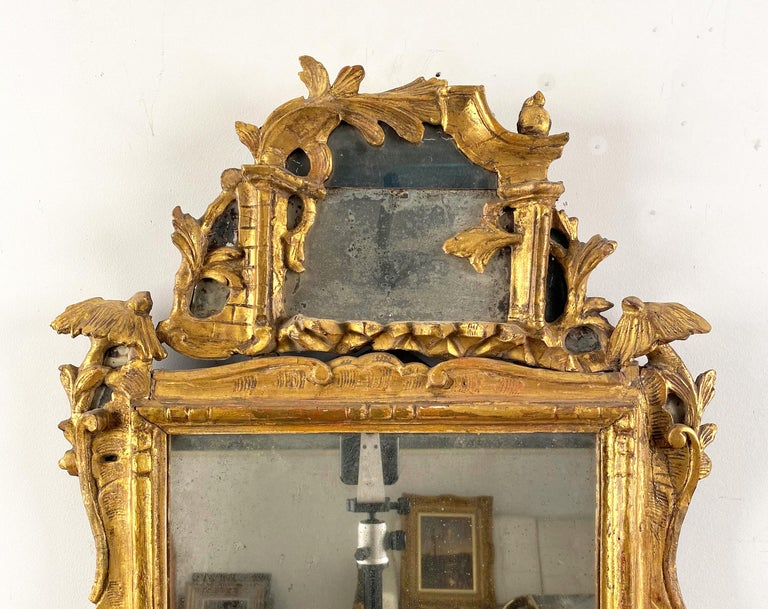 A Pair of George III Giltwood Mirrors In Good Condition For Sale In Sheffield, MA