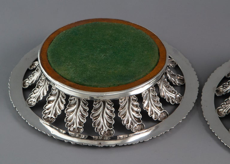 Pair of George III Silver Wine Coasters Sheffield, 1818 In Good Condition In Cornwall, GB
