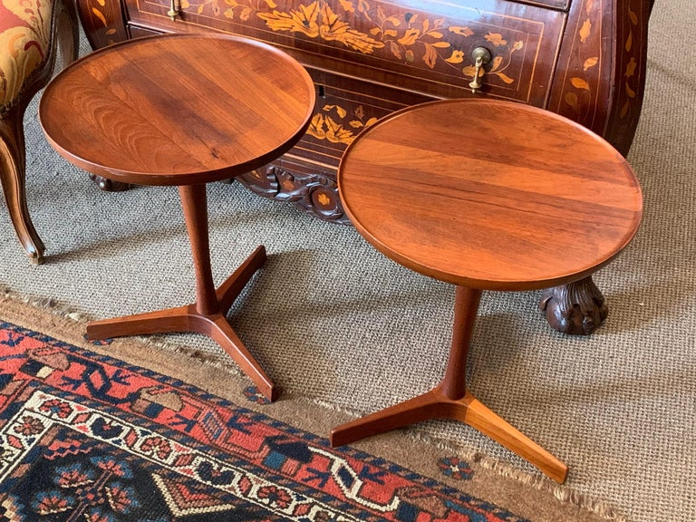 A great pair of Classic gueridons or occasional tables by Hans C.Andersen. Made in Denmark, circa 1960s, teak. The tops dismount for easier shipping.
