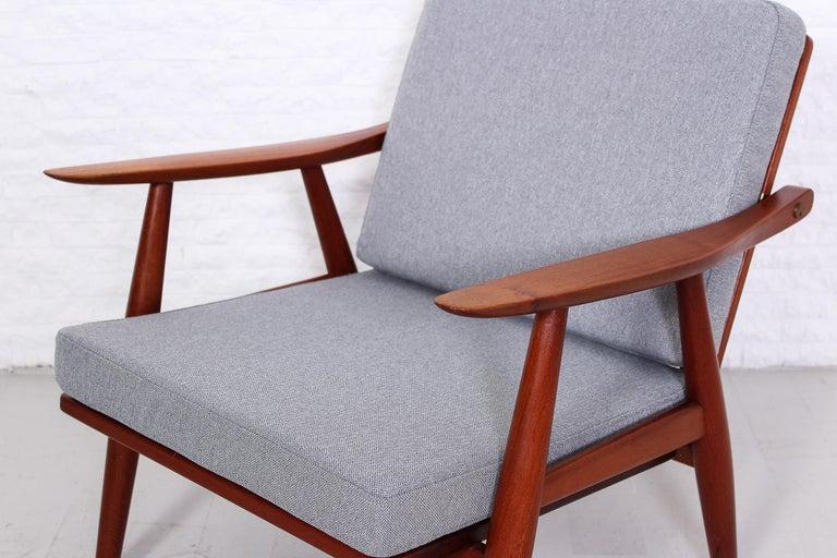 Pair of Hans J Wegner GE-270 Teak Easy Chairs, 1950s 4