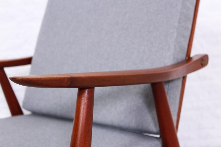 Pair of Hans J Wegner GE-270 Teak Easy Chairs, 1950s 5