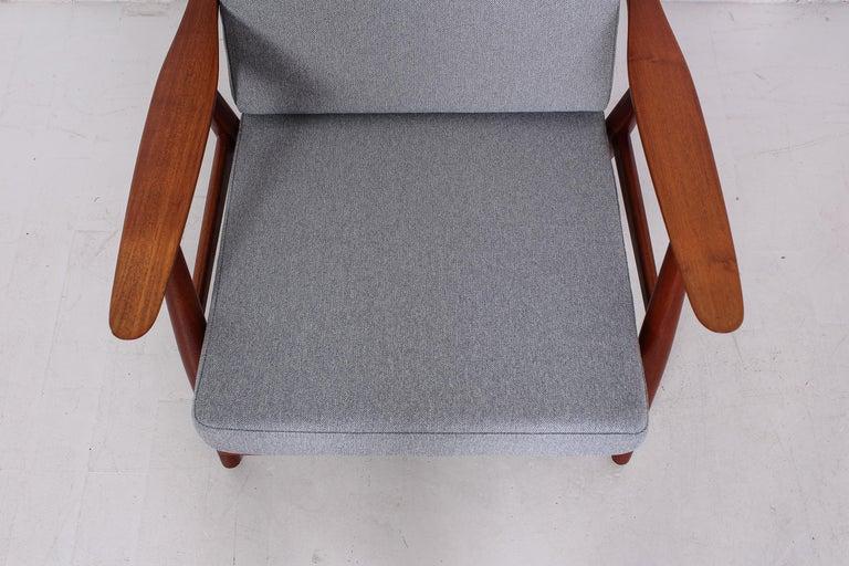 Pair of Hans J Wegner GE-270 Teak Easy Chairs, 1950s 8