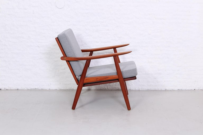 Scandinavian Modern Pair of Hans J Wegner GE-270 Teak Easy Chairs, 1950s