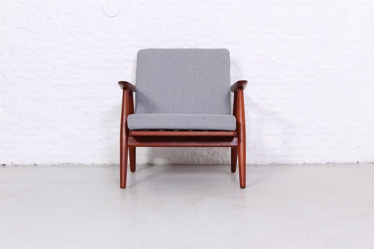Pair of Hans J Wegner GE-270 Teak Easy Chairs, 1950s 1