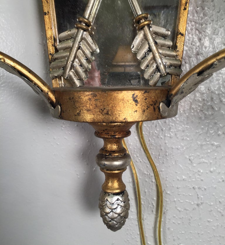 20th Century Pair of Hollywood Regency Style Mirrored Sconces For Sale