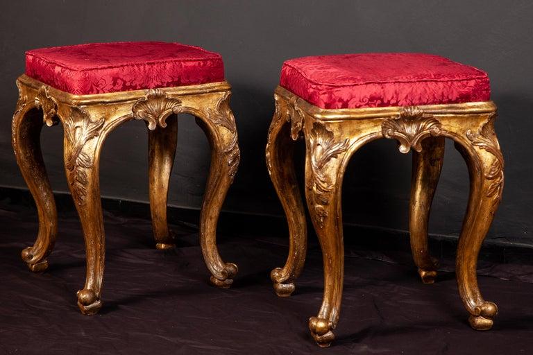 A Pair of Italian 18th Century Gilt-wood Stools Roma 1750 For Sale 4