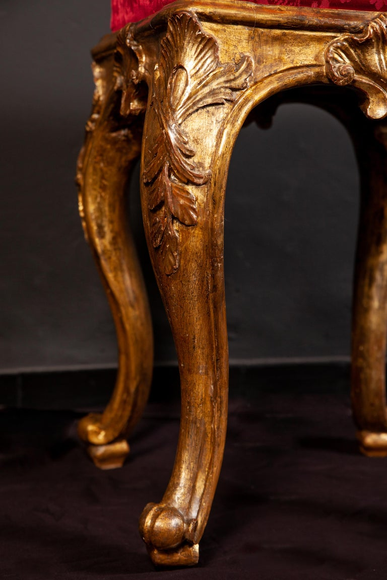 Hand-Carved A Pair of Italian 18th Century Gilt-wood Stools Roma 1750 For Sale