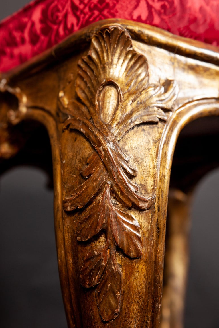 A Pair of Italian 18th Century Gilt-wood Stools Roma 1750 In Good Condition For Sale In Rome, IT