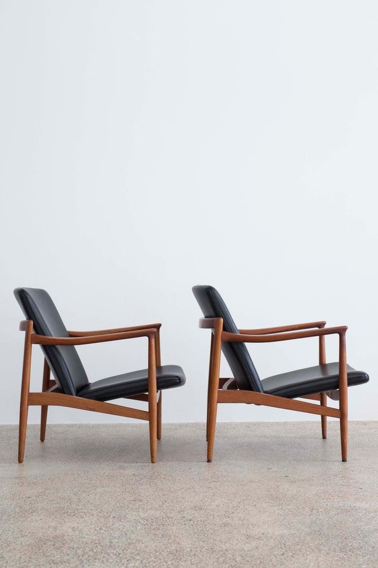 Scandinavian Modern Pair of Jacob Kjaer Easy Chairs, 1954 For Sale