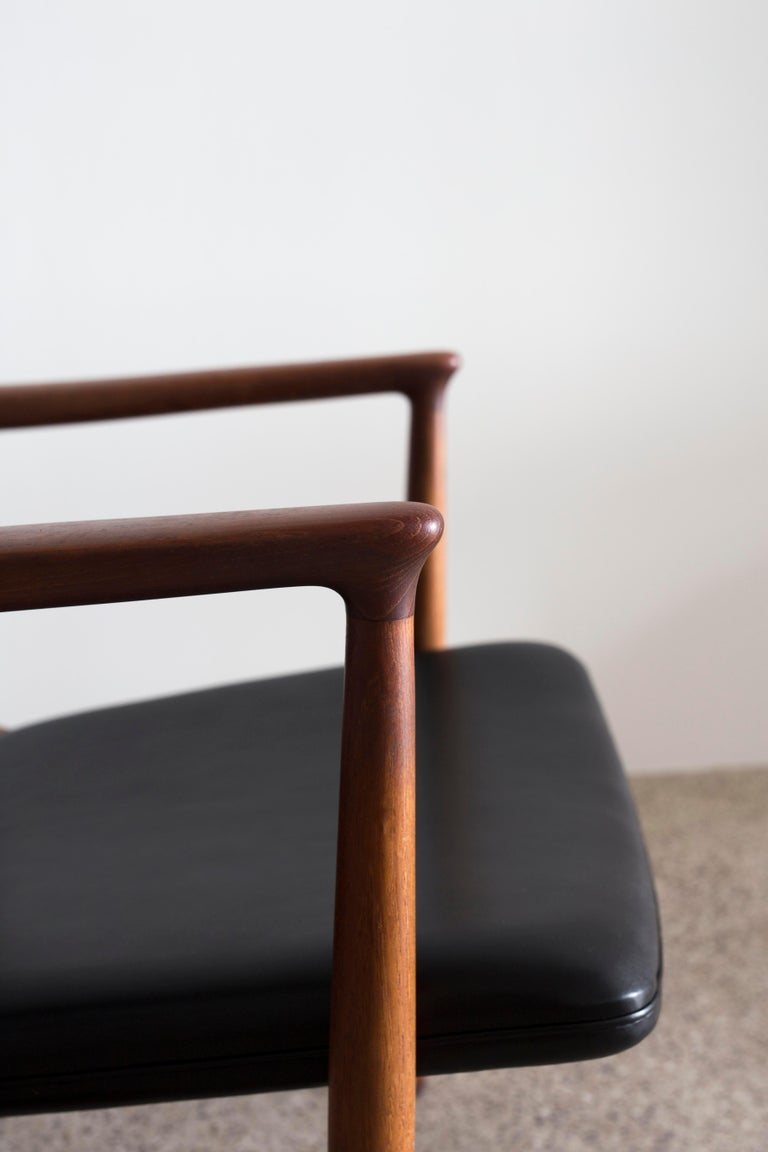 Pair of Jacob Kjaer Easy Chairs, 1954 In Good Condition For Sale In Copenhagen, DK