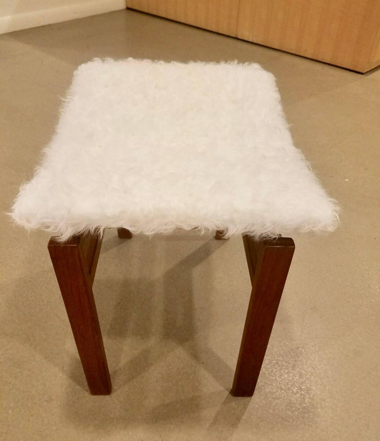 Mid-Century Modern Pair of John Stuart Stools in the Style of Finn Juhl in White Alpaca For Sale