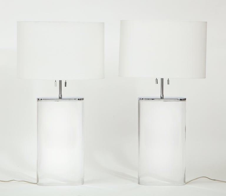 Pair of Karl Springer Large Lucite Table Lamps, circa 1982-1984 For Sale 4