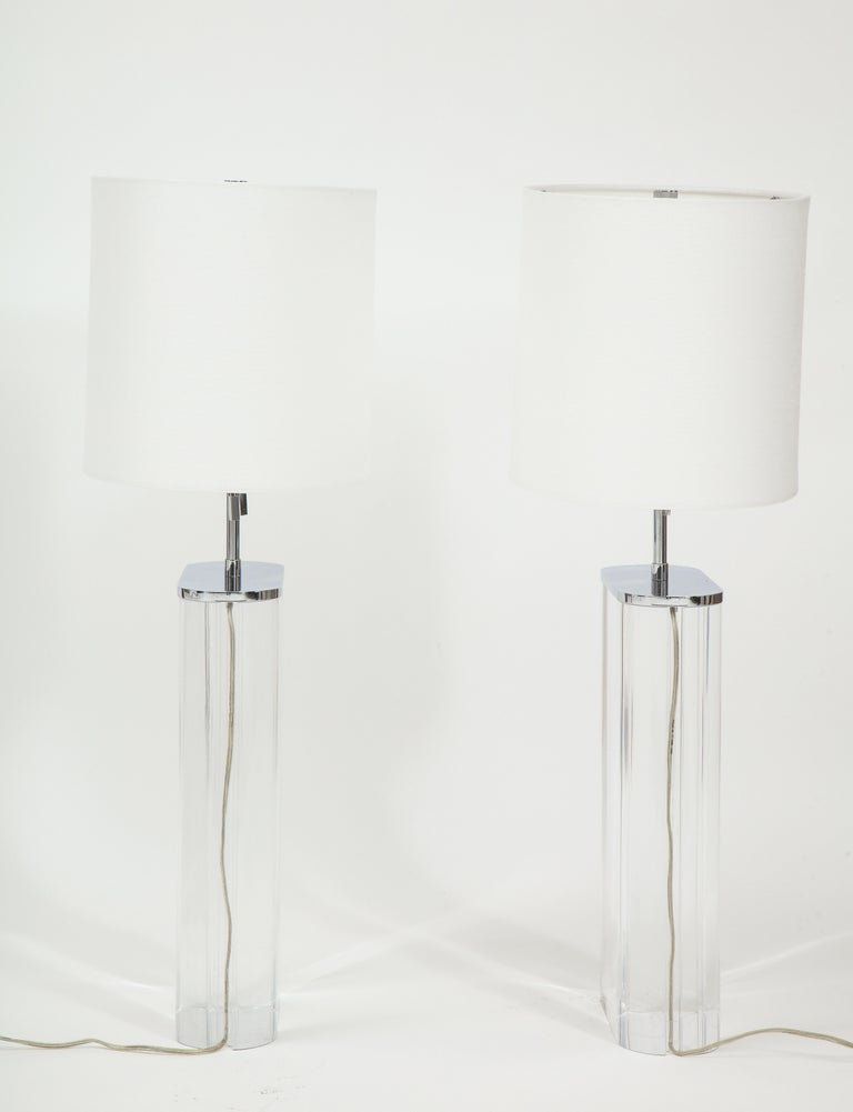 Modern Pair of Karl Springer Large Lucite Table Lamps, circa 1982-1984 For Sale
