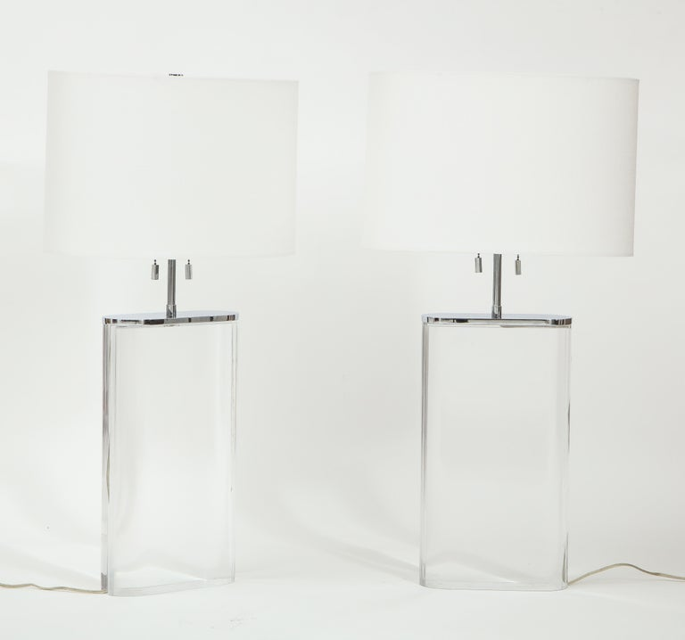 Pair of Karl Springer Large Lucite Table Lamps, circa 1982-1984 In Good Condition For Sale In New York, NY