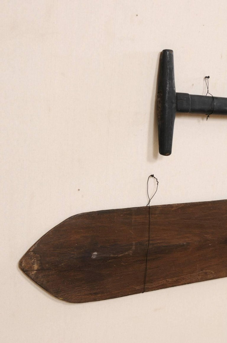 Pair of Large Boating Oars from Kerala, South India with Hand-Carved Motif In Good Condition For Sale In Atlanta, GA