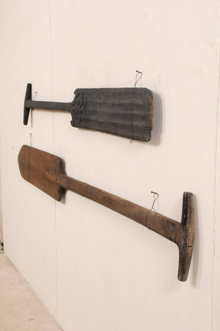 Pair of Large Boating Oars from Kerala, South India with Hand-Carved Motif For Sale 1