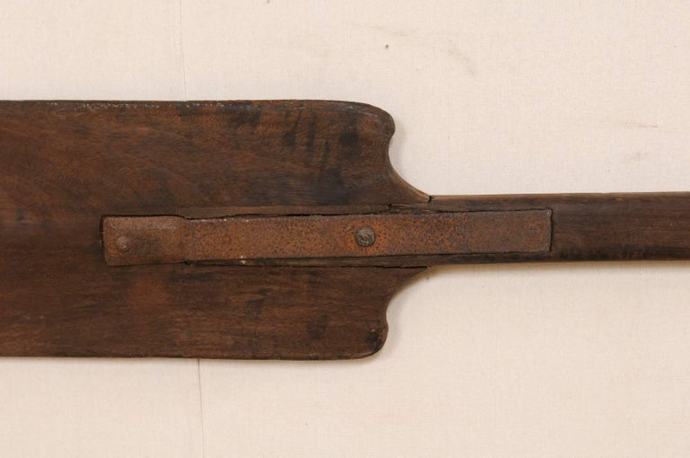 Pair of Large Boating Oars from Kerala, South India with Hand-Carved Motif For Sale 3