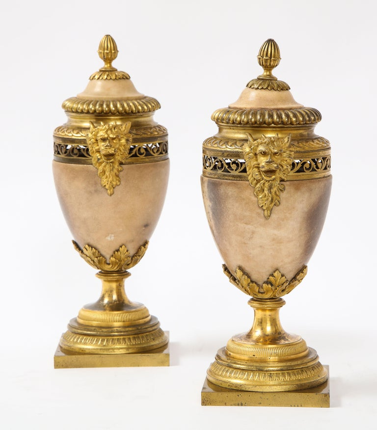 Pair of Louis XVI North European Neoclassical Ormolu and Marble Potpourris In Good Condition For Sale In New York, NY