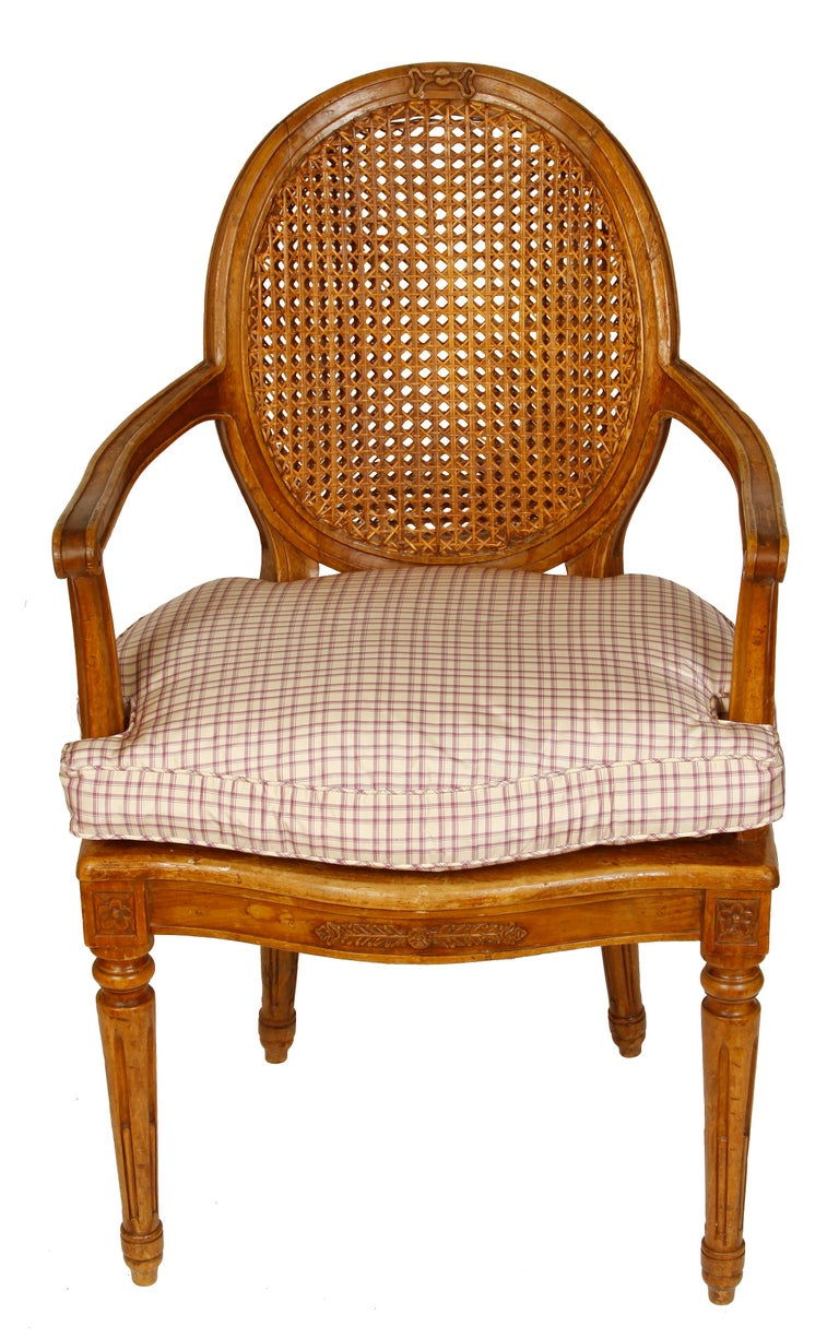 Unknown Pair of Louis XVI Style Beechwood Armchairs For Sale