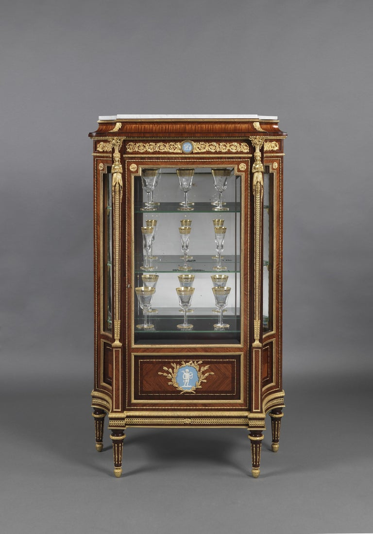 Gilt Pair of Louis XVI Style Vitrines with Wedgwood Plaques by Zwiener, circa 1880 For Sale