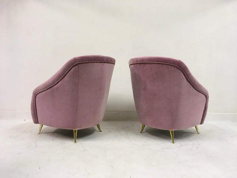 Brass Pair of Midcentury 1950s Italian Armchairs in Pink Velvet For Sale