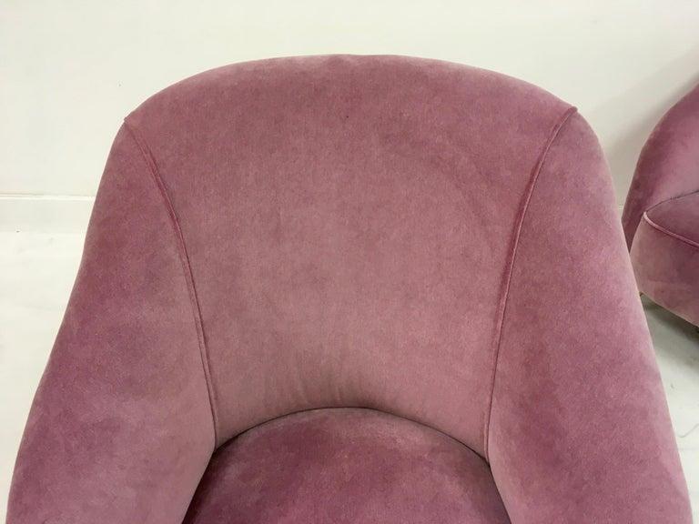 Pair of Midcentury 1950s Italian Armchairs in Pink Velvet For Sale 3