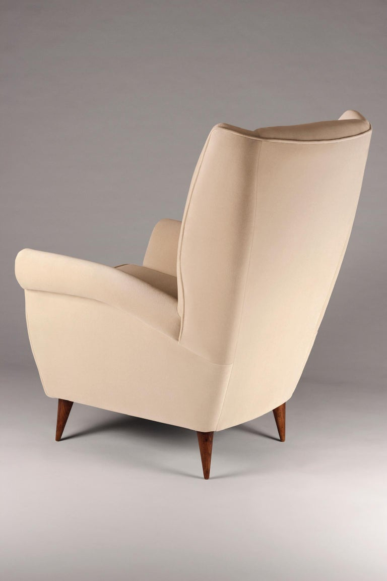 Contemporary Pair of Mid-Century Modern Inspired Italian Style 'Marcello' Lounge Chairs For Sale