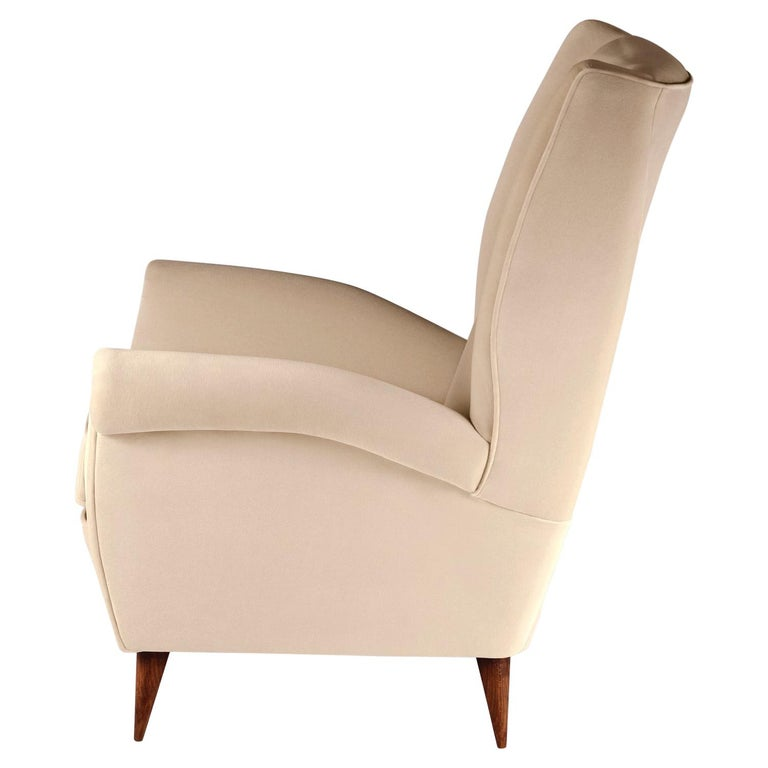 Pair of Mid-Century Modern Inspired Italian Style 'Marcello' Lounge Chairs For Sale