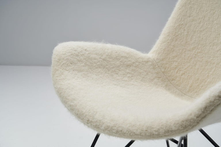 Pair of Mid-Century Modern Lounge Chairs, Europe, 1950s For Sale 4