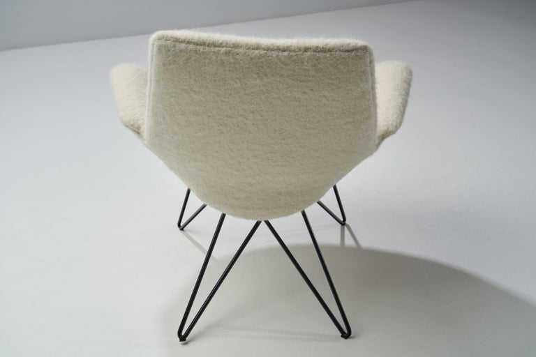 Pair of Mid-Century Modern Lounge Chairs, Europe, 1950s For Sale 7