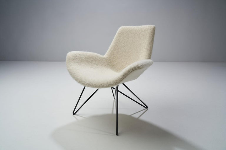 Pair of Mid-Century Modern Lounge Chairs, Europe, 1950s For Sale 2