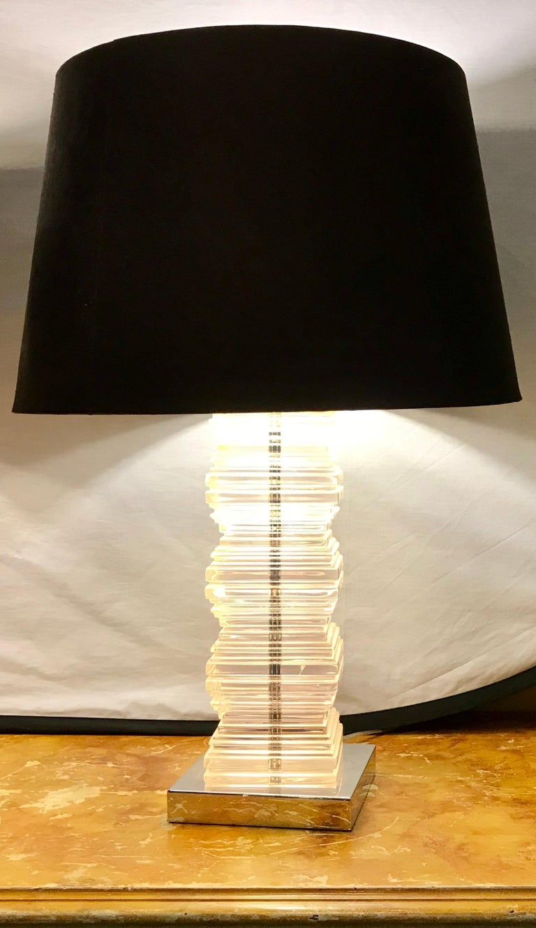 Pair of Mid-Century Modern Stacked Lucite Table Lamps In Good Condition In Stamford, CT