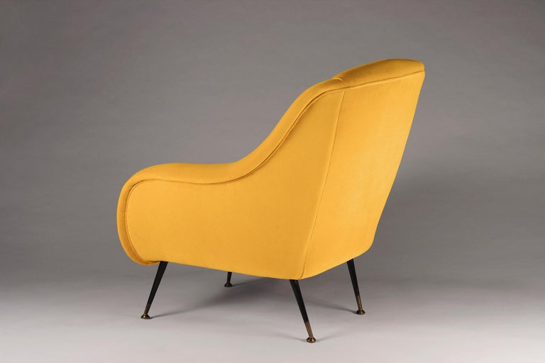 Contemporary Pair of Mid-Century Modern Style Italian Lounge Chairs in Yellow For Sale